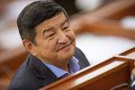 Депутат Жогорку Кенеша Акылбек Жапаров на заседании. Архивное фото