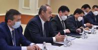 Өкмөт башчы Улукбек Марипов Өзбекстандын премьер-министри Абдулла Арипов менен жолугушуп, бир катар маселелерди талкуулады