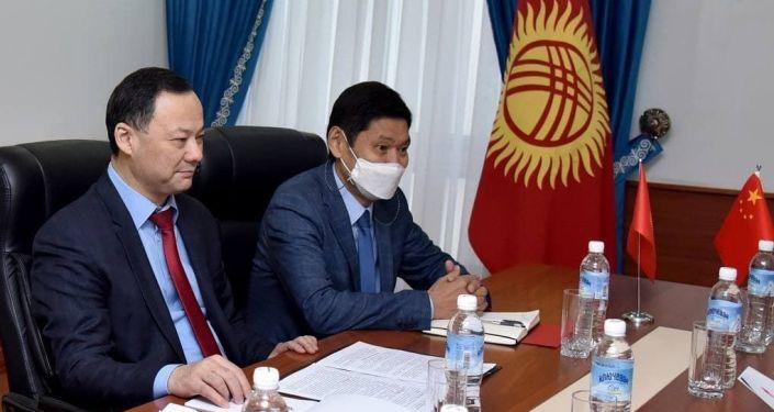 Кытай эл республикасынын өкмөтү Кыргызстанга коронавируска каршы вакцина алып берет