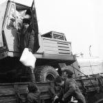 СССР Арменияга жапа тырмак көмөк көрсөткөн. Кыргызстандагы орто мектептен баштап бүт ведомстволорго чейин жылуу кийим жана акчалай жардам чогултулган. Айрым мектептин окуучулары оюнчук да алып келишкен. Ал тургай боз үйлөр да жөнөтүлгөнү айтылат.