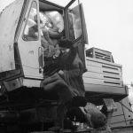 """Илимий-инженердик """"Импульс"""" борборунун илимпоздору менен адистери кыргыз боз үйлөрдө жашаган. Ошол учурда Арменияда күн суук болгондуктан меште от күнү-түнү жагылып турчу. Тамак Фрунзеден ала барган казанда даярдалган."""
