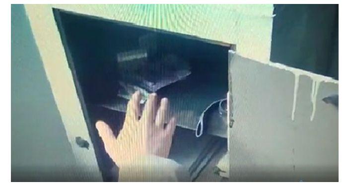Старшего следователя по особо важным делам РОВД Московского района Ж. Э. А. подозревают в вымогательстве взятки