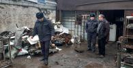 В Свердловском районе Бишкека пункты приема металлолома уведомили о запрете принимать краденные крышки люков и ливнеприемных решеток