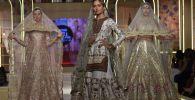 Укмуштуудай үлпөт көйнөктөр. Пакистандагы мода жумалыгынан 10 сүрөт