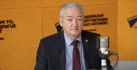 Саламаттык сактоо министрлигинин башкы урологу, профессор Акылбек Усупбаев. Архив