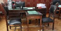 Мамлекеттик жана саясий ишмер Жусуп Абдрахмановдун раритеттик жеке иш столу