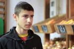 Выпускники детских домов открыли социальный овощной магазин Наша грядка в Новопокровке. Социальный проект запустили для того, чтобы помочь другим выходцам из детдомов встать на ноги.