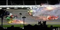 NASCAR Дайтона 500 мелдешинин 16 машина кагышкан кырсык