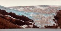 База в заливе Файлдс, остров Кинг-Джордж в Антарктике