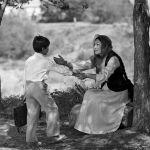 Аманат тасмасын тартуу маалында актриса ырчынын образында