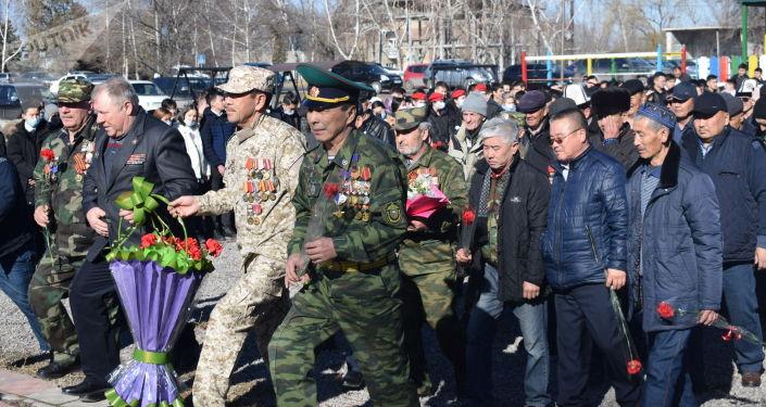 Военнослужащие российской авиабазы Кант приняли участие в митинге, посвященном 32-й годовщине вывода советских войск из Афганистана