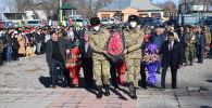 Военнослужащие российской военной базы в Кыргызстане приняли участие в митинге, посвященном 32-й годовщине со дня вывода советских войск из Афганистана
