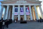 В Кыргызском национальном академическом театре оперы и балета проходит церемония прощания с народной артисткой КР Жамал Сейдакматовой.