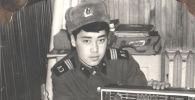 20 летний Садыр Жапаров во времена службы в армии. Архивное фото