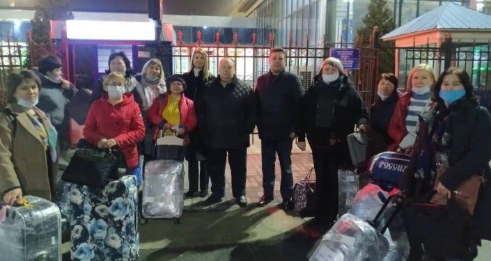 В Оше встретили делегациюроссийских учителей гуманитарного проекта Минпросвещения России Российский учитель за рубежом