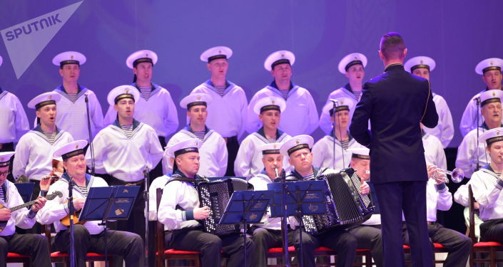 Бишкектеги Токтогул Сатылганов атындагы улуттук филармонияда Кара деңиз флотунун ыр жана бий ансамблинин концерти болуп өттү