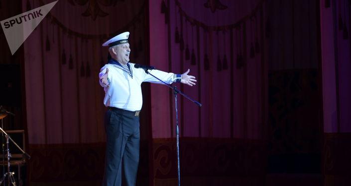 В Национальной филармонии имени Токтогула Сатылганова в Бишкеке состоялся концерт Ансамбля песни и пляски Черноморского флота. 19 февраля 2021 года