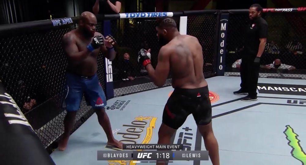 Нокаут после удара в прыжке — лучшие моменты прошедшего турнира UFC. Видео