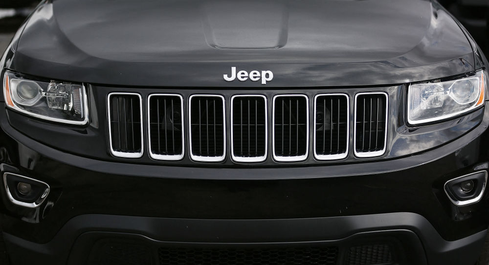 Автомобиль Jeep Grand Cherokee. Архивное фото