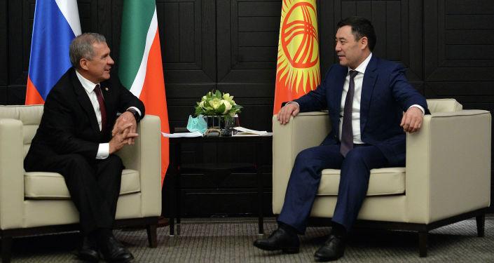 Президент Кыргызстана Садыр Жапаров во время встречи с президентом Татарстана Рустамом Миннихановым в рамках визита в РФ