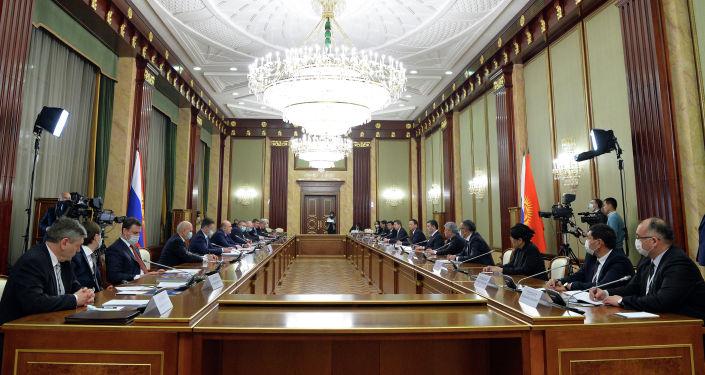Президент Кыргызстана Садыр Жапаров встретился с председателем правительства России Михаилом Мишустиным в рамках своего визита в Москву