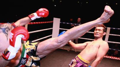 Поединок по тайскому боксу. Архивное фото