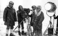 Во время съемок фильма Потомки белого барса создатели фильма работали в сложных условиях высокогорья.