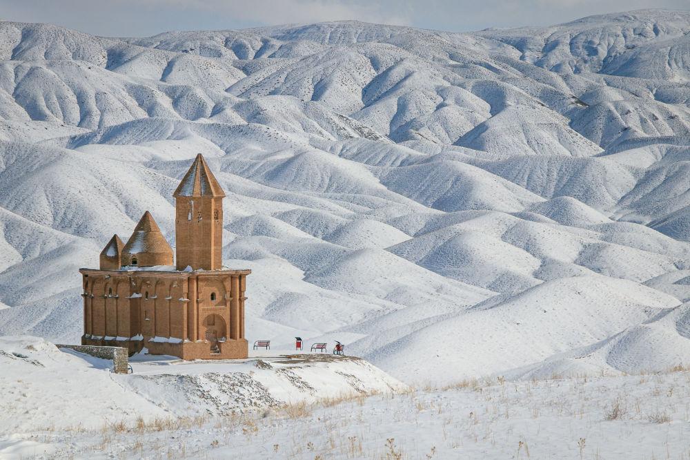 Иранец Farzin IzadDoustDar снял на фото церковь Святого Иоанна в ближневосточной стране и победил в фотоконкурсе Wiki Loves Monuments 2020