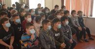 Военнослужащие объединенной российской базы Кант провели военно-патриотические уроки для учеников местных школ