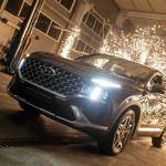 Кульминацией вечера стала презентация Hyundai Santa Fe. Представляя эту модель, ведущие отметили ее премиальный дизайн и превосходные ездовые качества.