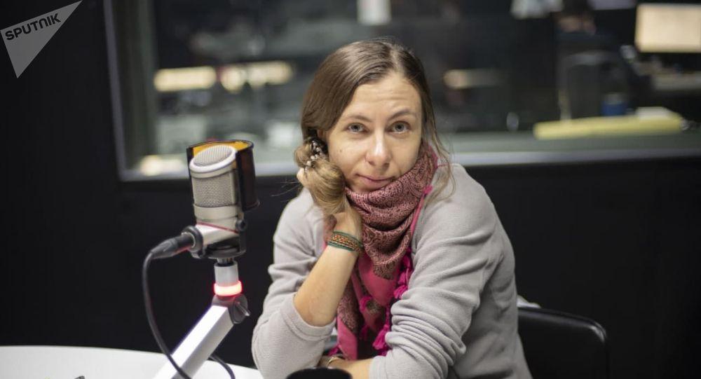 Альпинистка Анна Оглоблина на радио Sputnik Кыргызстан