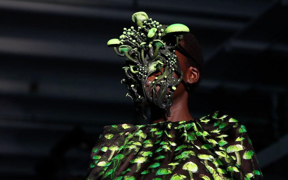 Дизайнер Даниэль Дель Кор представил новую коллекцию на Неделе моды в Милане
