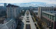 Бишкектеги Жаштар аллеясы. Архивдик сүрөт