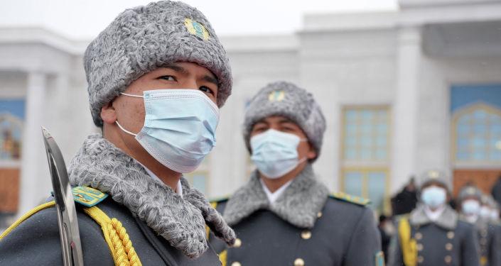 Кыргызстандын президенти Садыр Жапаров мамлекеттик сапар менен Казакстанга келди