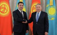 Президент Кыргызстана Садыр Жапаров во время встречи с первым президентом Казахстана Нурсултаном Назарбаевым