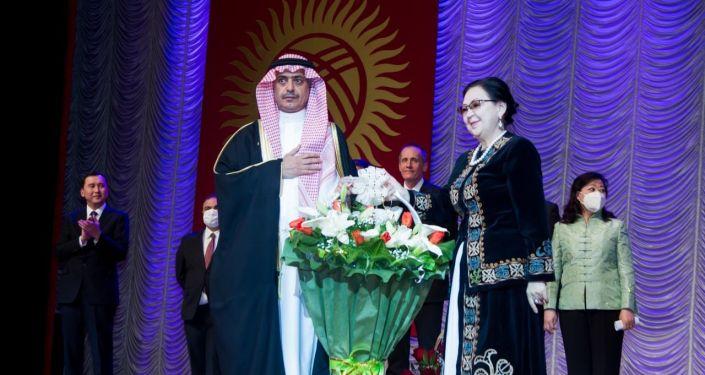 В филармонии имени Токтогула Сатылганова в Бишкеке состоялся концерт в честь Международного женского дня. 01 марта 2021 года