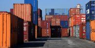 Грузовые контейнеры. Архивное фото