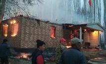 В Кара-Сууйском районе Ошской области сгорела школа