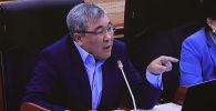 Жогорку Кеңеште жаңы Конституциянын автору делген 80 депутаттын ким экени белгисиз болуп, талаш жаратууда.