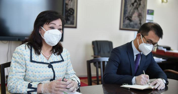 Чрезвычайный и полномочный посол Китая в Кыргызстане Ду Дэвэнь