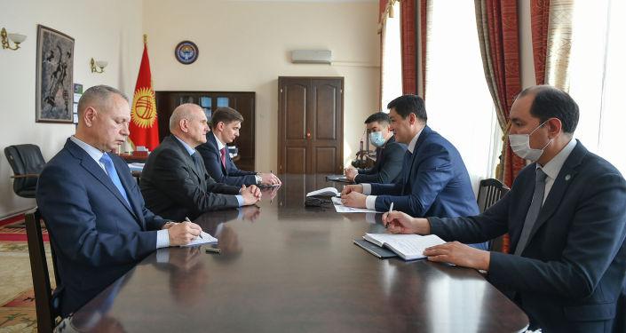 Премьер-министр Кыргызстана Улукбек Марипов принял посла России Николая Удовиченко