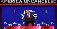 Бывший президент США Дональд Трамп выступает на Консервативной конференции политических действий (CPAC) в Орландо