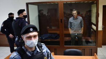 Алексей Навальный в зале Бабушкинского районного суда, где проходит выездное заседание по апелляции на решение суда о замене для него условного наказания на реальное по делу Ив Роше. Архивное фото
