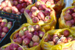 Продажа яблок в Бишкеке. Архивное фото