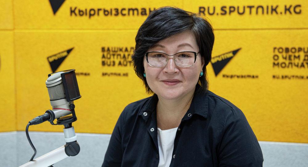 Билим берүүнү баалоо жана окутуу усулдары борборунун директору Чынара Батракеева