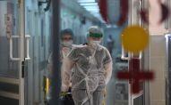 Медицинские работники в городской клинической больнице