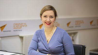 Заслуженная артистка КР, общественный деятель Галина Кетова в офисе Sputnik Кыргызстан