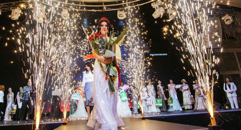 Победительница республиканского конкурса красоты Миссис Кыргызстана — 2021 Бактыгуль Маганбетова