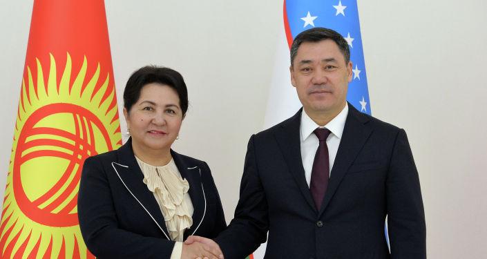 Президент Кыргызской Республики Садыр Жапаров во время встречи с председателем сената Олий Мажлиса Республики Узбекистан Танзилой Нарбаевой. 12 марта 2021 года