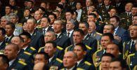 Президент Алмазбек Атамбаев поздравил Вооруженные силы КР с профессиональным днем